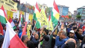 Li Stanbolê ji ber bilindkirina Ala Kurdistanê 3 kes hatin binçavkirin