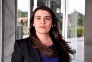 Parlamentera Kurd Amîna Zikrî behsa dijminên serxwebûnê dike